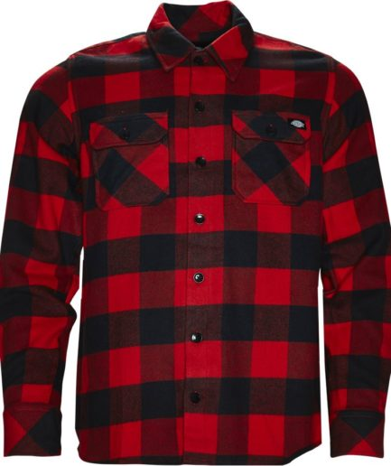 Rød skjorte